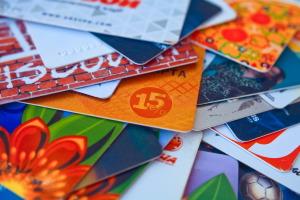 Plastové karty využijete nielen v práci. Ako vám uľahčia život?