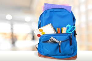 ruksak so školskými potrebami