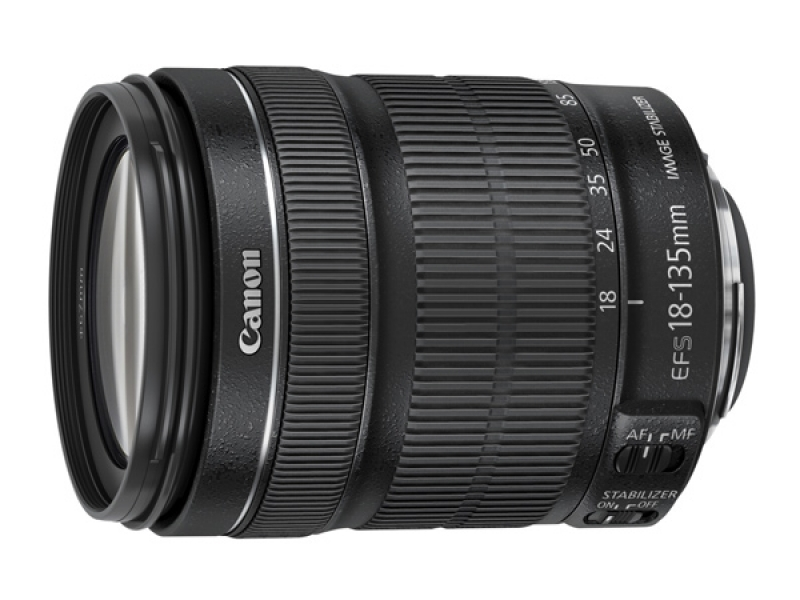 Canon EF-S 18-135mm f/3,5-5,6 IS STM (pri kúpe s fotoaparátom -35€ SPÄŤ)