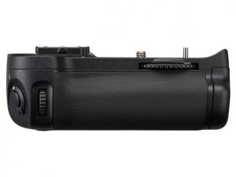 Nikon MB-D11 multifunkčný zásobník na batérie pre D7000
