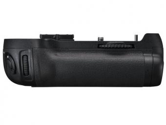Nikon MB-D12 multifunkčný zásobník na batérie pre D800/D800E