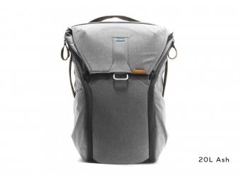 Peak Design Everyday Backpack 20L - Ash (svetlo šedá)
