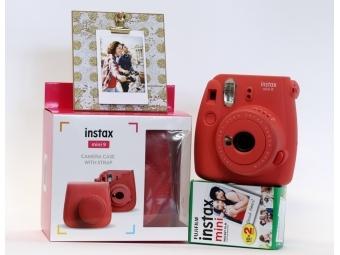 Fujifilm Instax mini 9 červený + púzdro + film 2x10 ks fotografii + rámček